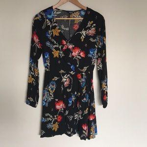 EXPRESS Long sleeve floral patterned dress, sz S
